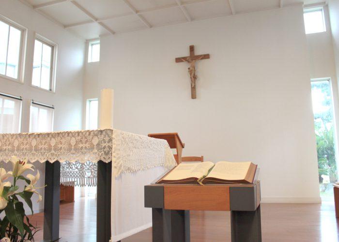 聖堂キリスト像